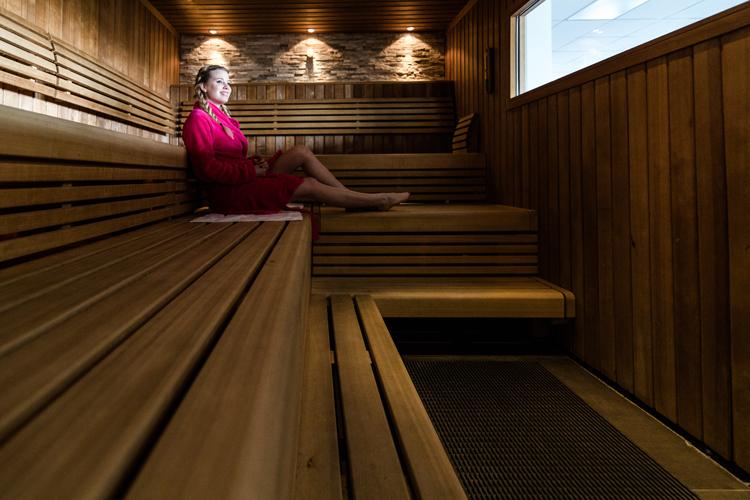 Sauna 750 - ERÖFFNUNG UMKLEIDEN, DUSCHEN, SAUNA UND WELLNESS
