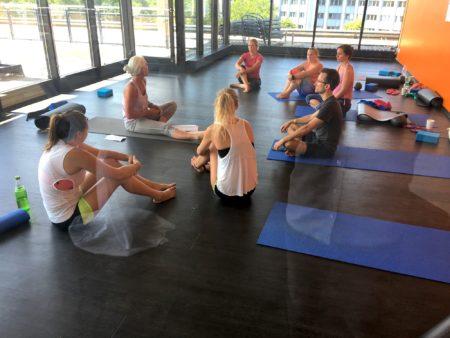 Yoga Circle München 450x338 - 14.01.18 TAG DER OFFENEN TÜR - Viele Highlights