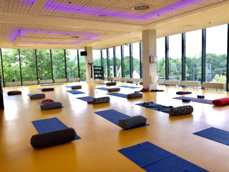 """MOVEMENT FITNESS Yoga Event Jutta Bamberger 450x338 - YOGAWORKSHOP """"I Believe I Can Fly""""  16. 09.18"""