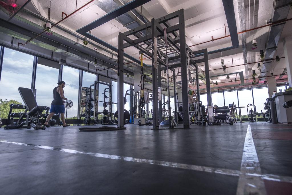 Functional Area mit Trainingsmarkierungen 1024x683 - ERÖFFNUNG UMKLEIDEN, DUSCHEN, SAUNA UND WELLNESS